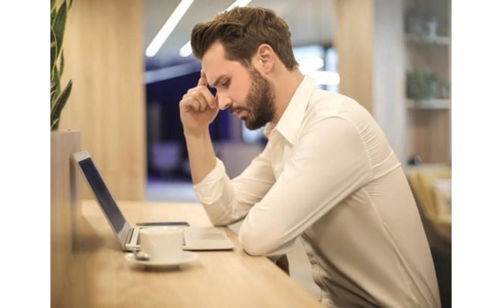 Офисный синдром - причина боли в пояснице и шее